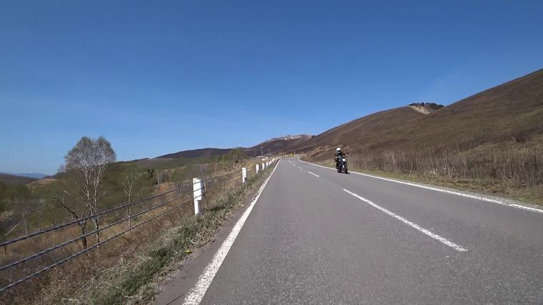 景色が広がってきました。バイクとの挨拶も楽しいです