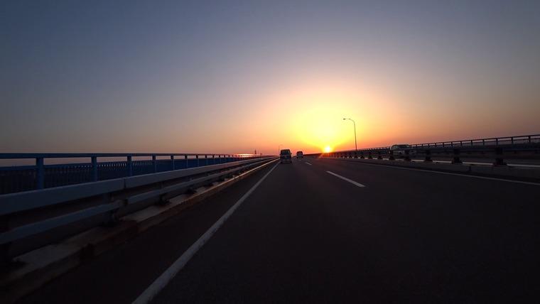 ひたすら東京から北上してきましたが、もう夕方です 夕焼けがきれいです