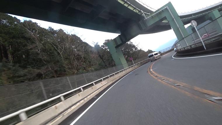 河津大滝ループ橋を通って河津まつり会場に向かいます