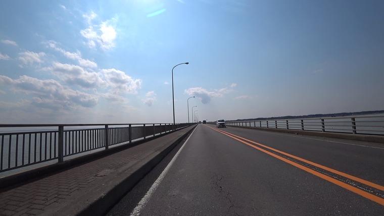 道の駅 たまつくりから霞ヶ浦大橋を通り南へ向かいます