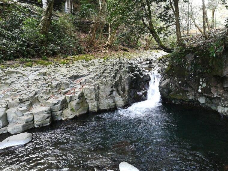 かに滝は七滝の中でも小さな滝