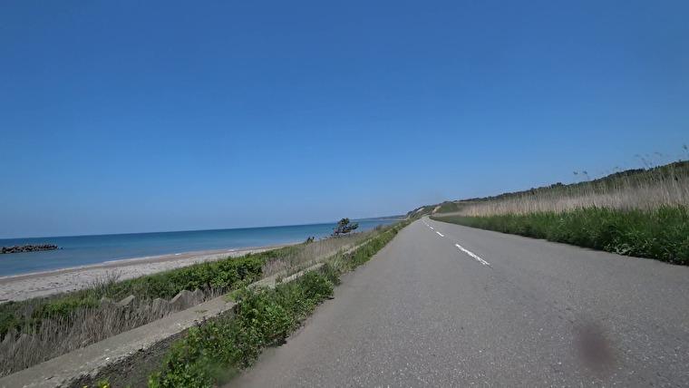 男鹿半島の北側を通り八郎潟方面へ向かいます