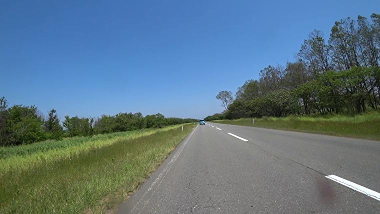 八郎潟干拓地は道路が真っすぐです 八郎潟の大きさを実感できます