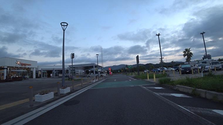 NEOPASA浜松で最初の休憩と給油です