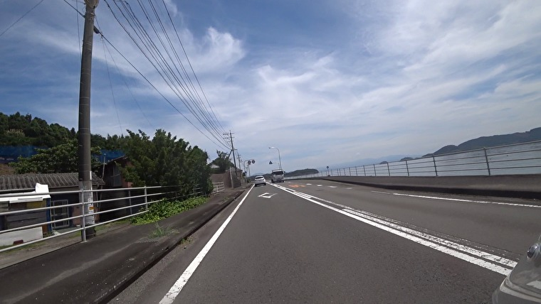 大村湾を右に眺めながら北へ進んでいきます