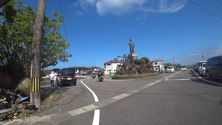 口之津港から30分程で天草に到着です 口之津港では天草四郎の銅像がお出迎え