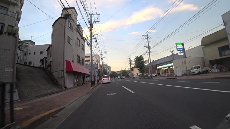 最後に立ち寄ったのが変電所の坂 きゃあまぐる坂です ここは日本第2位のエグイ坂です(最大斜度35% / 角度19.3度)