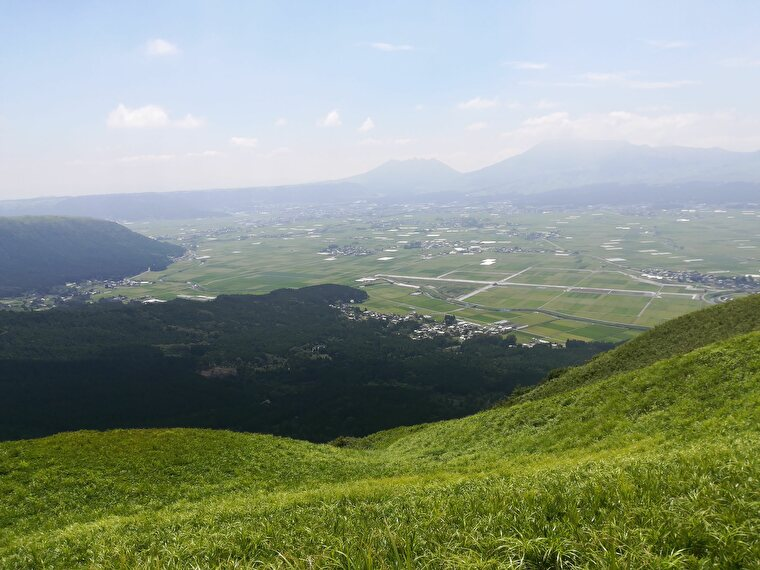 大観峰は360度の絶景で圧巻。緑もキレイで空気もキレイ とても気持ちのいい場所です